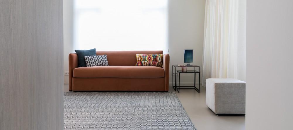 Renovatie appartement: raamdecoartei, kussens, maatwerkmeubelen, ...